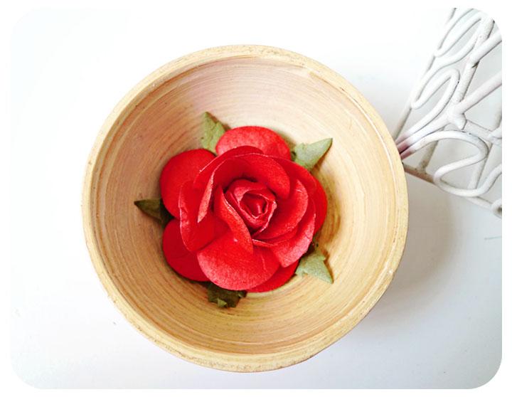 2 Rose Big paper flower red / pack
