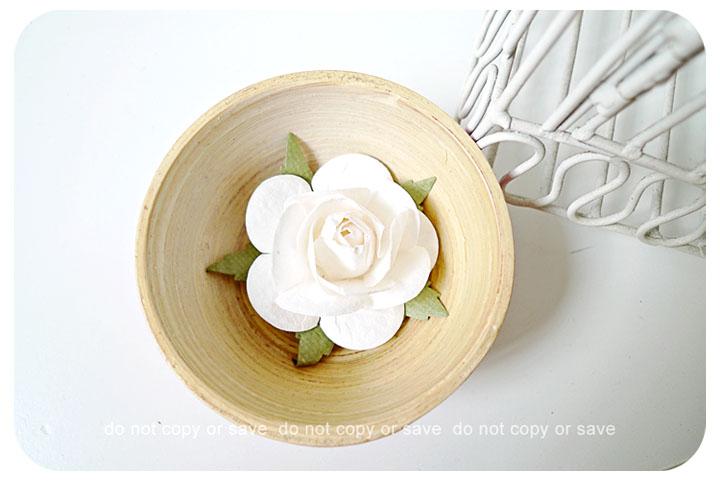 2 Rose Big paper flower white / pack